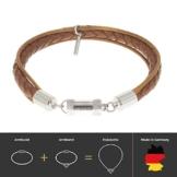 Braunes geflochtenes Lammleder Unisex Armband, sicherer Magnetverschluss, kostenlose Geschenkverpackung. CLICCESSORY CORDÓN Profumo Cognac 22cm. Durch CLIC System werden die Armbänder zu Halsketten -